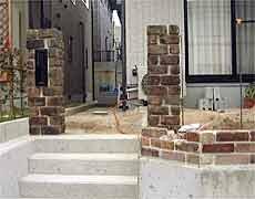 煉瓦の門柱
