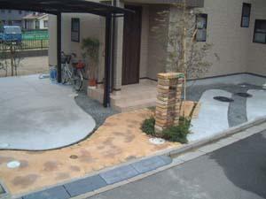シンボルツリーと門柱